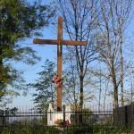 krzyż przy cmentarzu 1